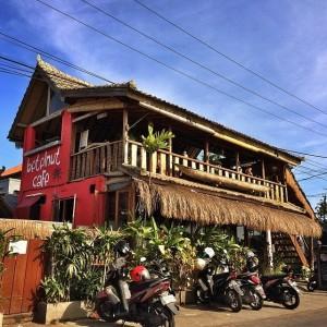 Betelnut Cafe adalah sebuah cafe/warung sederhana yang terlihat mencolok dari kejauhan karena di hiasi warna merah mencolok.