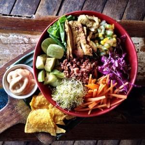 Betelnut akan menyuguhkan kamu dengan menu menu organik berupa salad, wrap, tacos, dan berbagai macam jus dan frappe. Sepulang dari sini, kami yakin kamu bakal merasa lebih 'sehat'.