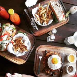 Jangan lupa untuk membawa kamera atau smart phone mu yah! Karena selain lezat di makan, menu di Habitual sangat photogenic untuk di instagramkan!