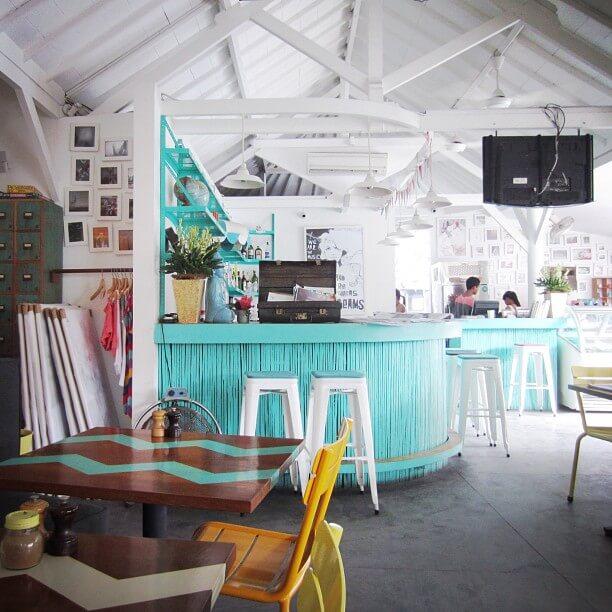 Cafe cantik di bali paling hits musthafida for Mural yang cantik